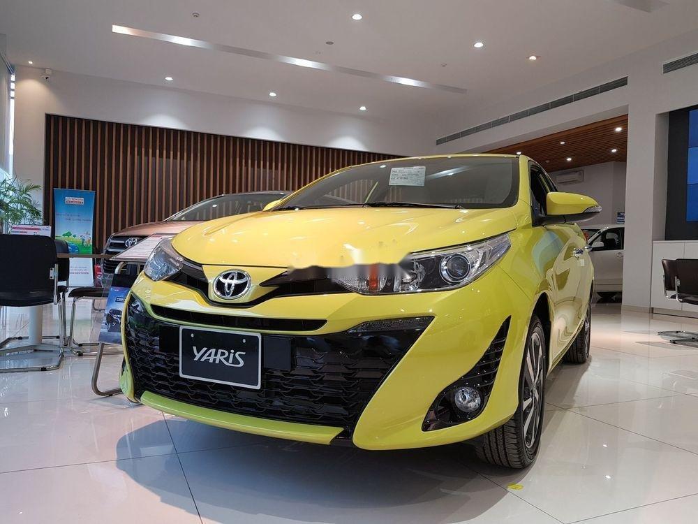 Cần bán Toyota Yaris 2019, màu vàng, nhập khẩu nguyên chiếc (1)