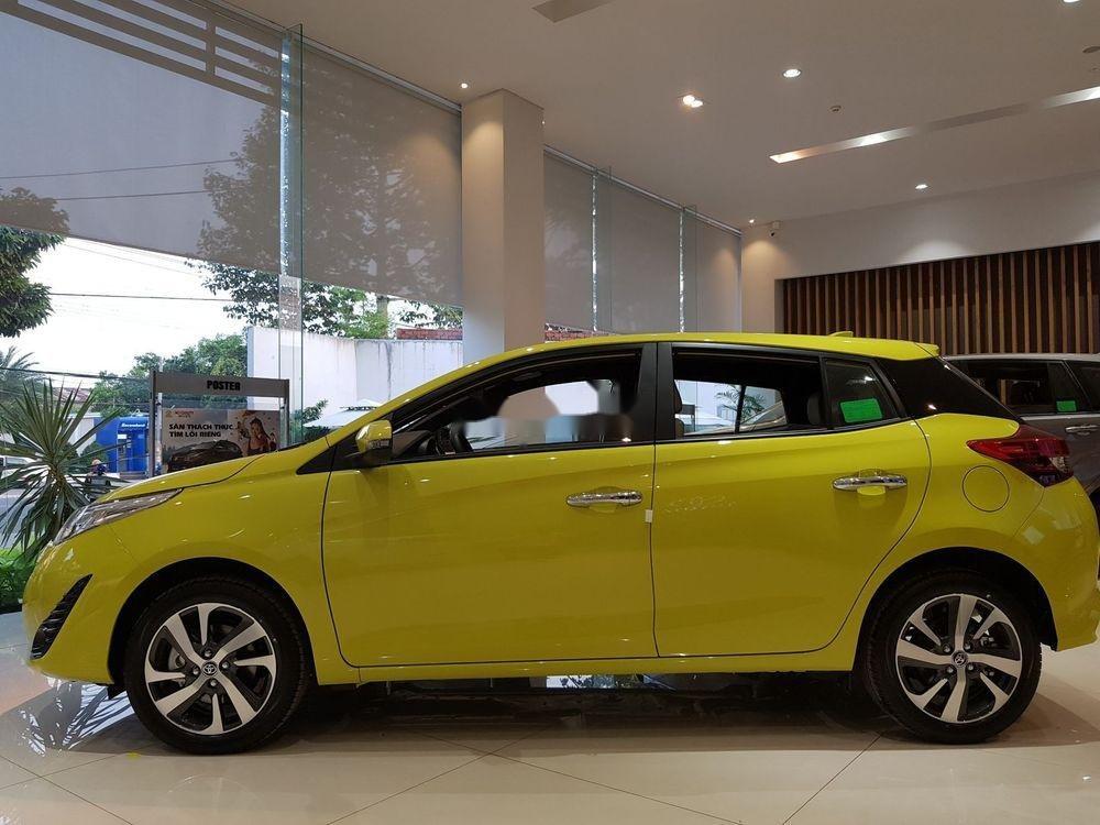 Cần bán Toyota Yaris 2019, màu vàng, nhập khẩu nguyên chiếc (3)