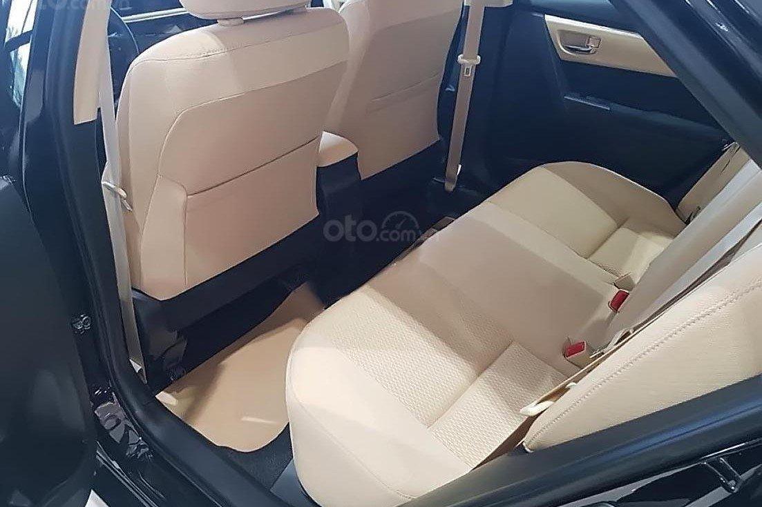 Thiết kế hàng ghế sau của Toyota Corolla Altis 2019 1