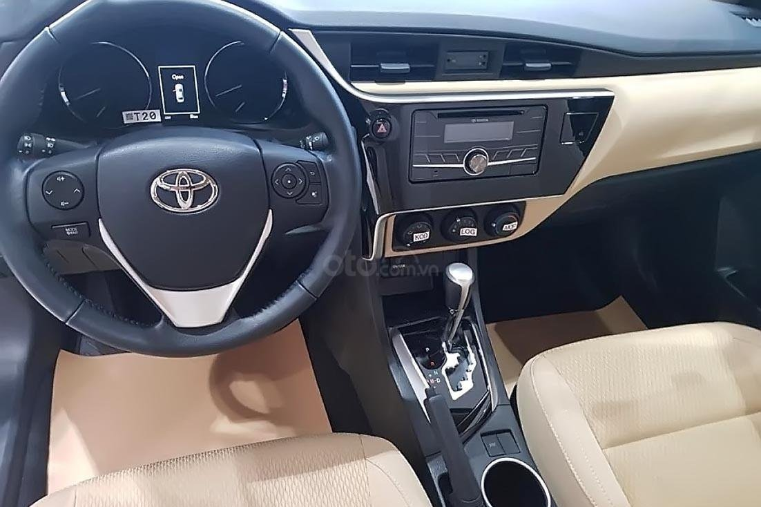So sánh xe Kia Optima 2019 và Toyota Corolla Altis 2019: Thiết kế khoang nội thất a4