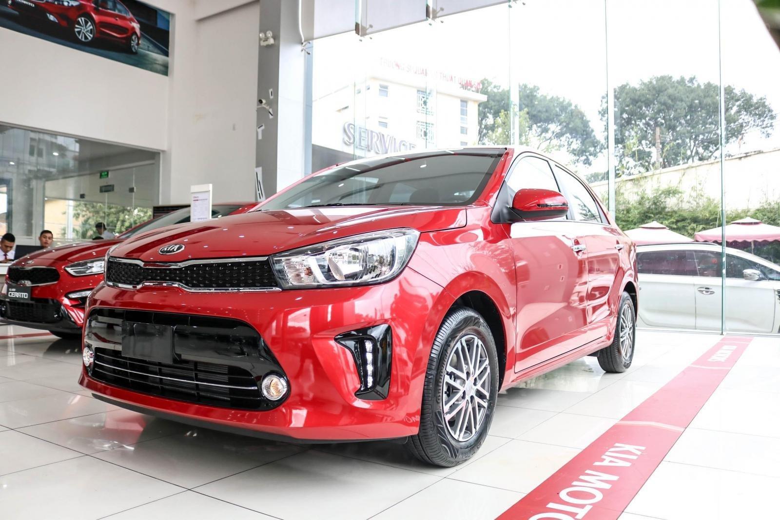 Bán xe Kia Soluto AT 2019, màu đỏ (1)