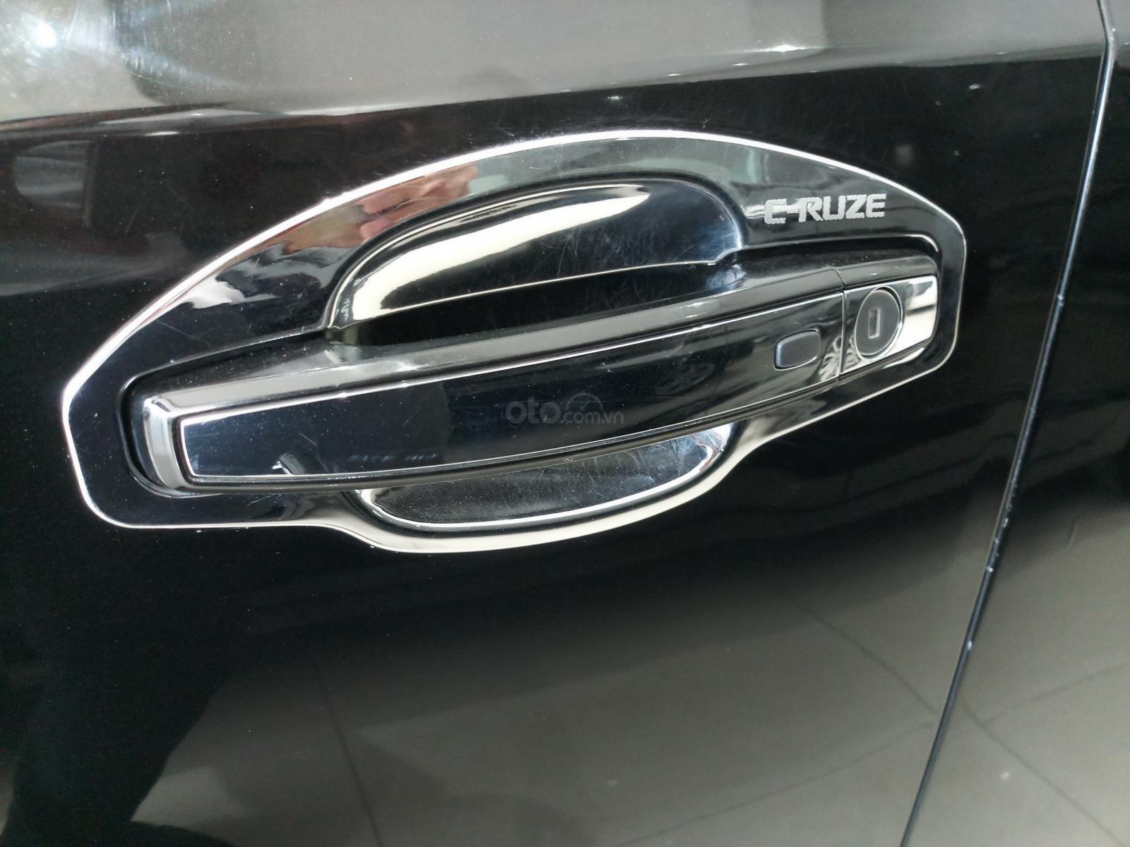 Bán Chevrolet Cruze LTZ 1.8L đời 2017, màu đen, 490tr TL (8)