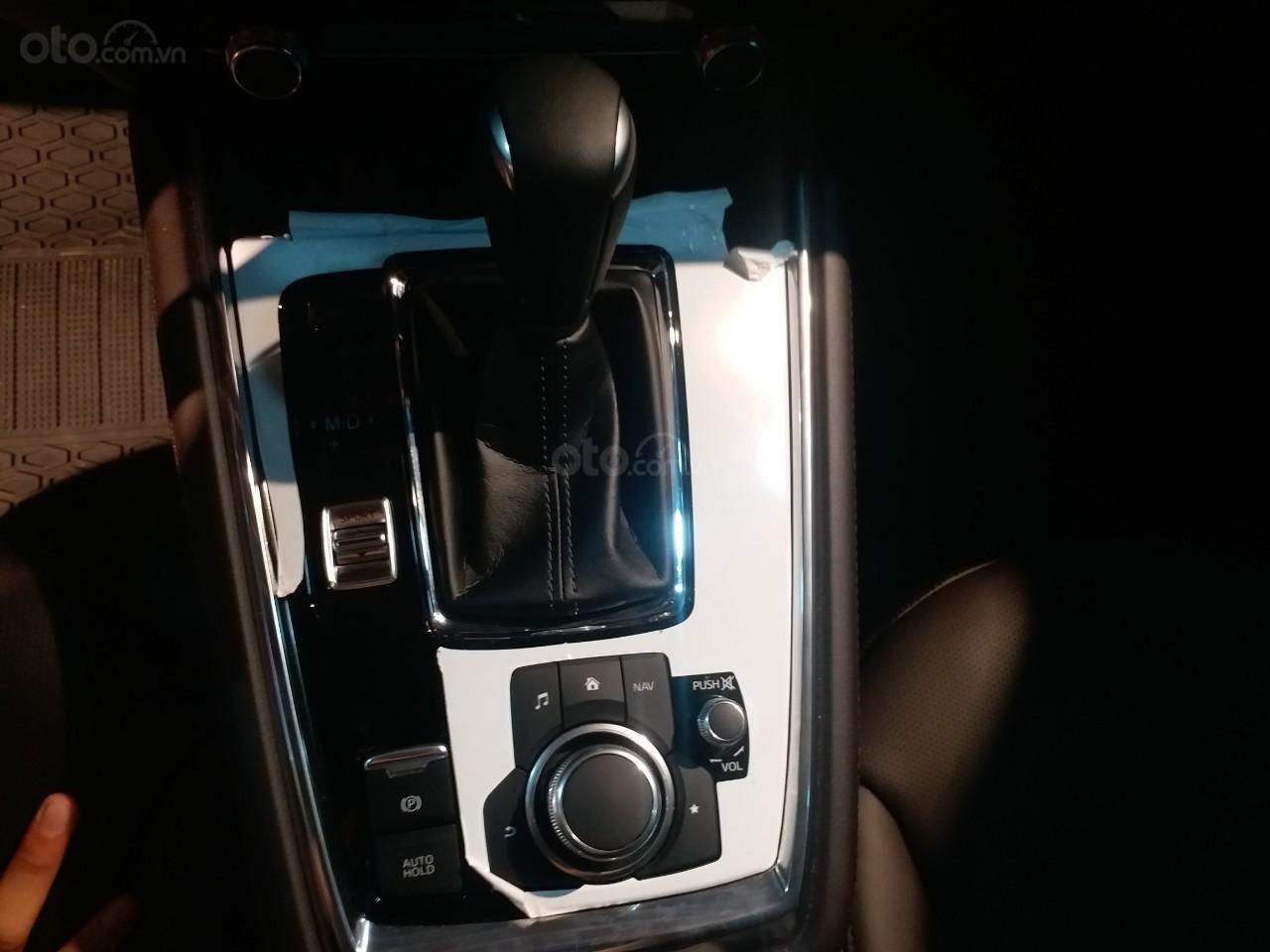 Mazda CX8 2.5 Luxury màu đỏ, sản xuất và đăng ký tháng 09/2019, biển Hà Nội (13)