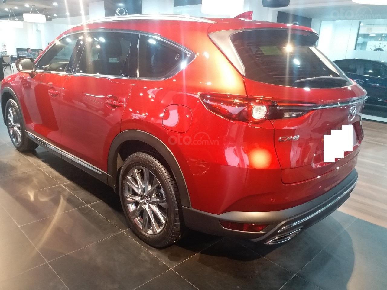 Mazda CX8 2.5 Luxury màu đỏ, sản xuất và đăng ký tháng 09/2019, biển Hà Nội (23)