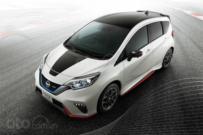 Vén màn Nissan Note e-Power Nismo Black Limited
