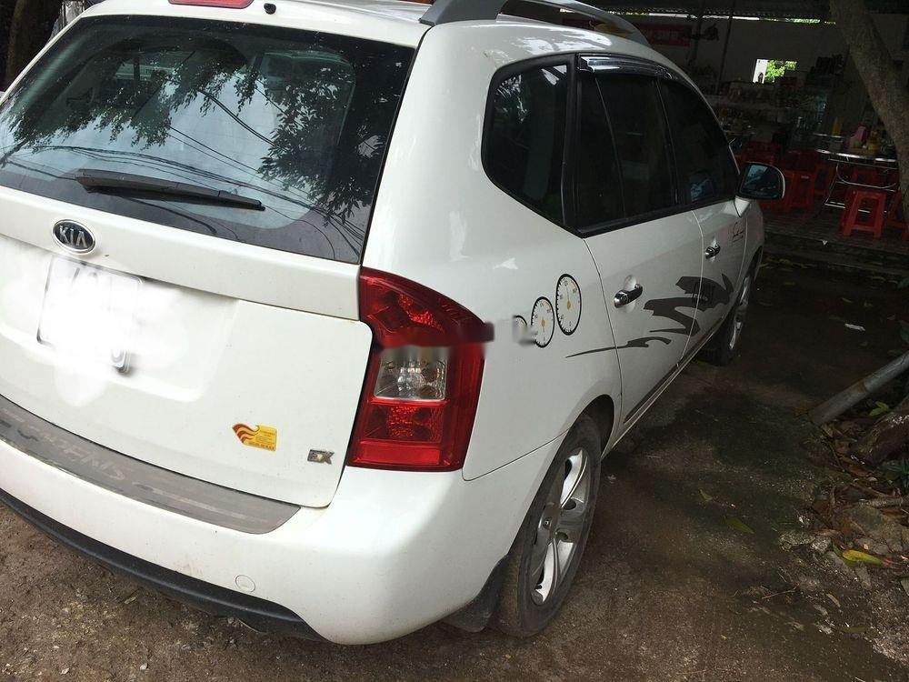 Cần bán xe Kia Carens sản xuất 2015, màu trắng xe gia đình (1)