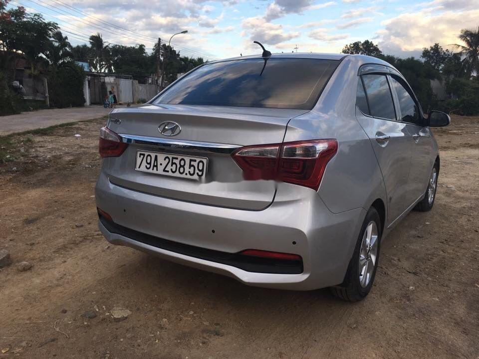 Thanh lý bán Hyundai Grand i10 SX 2017, màu bạc (3)