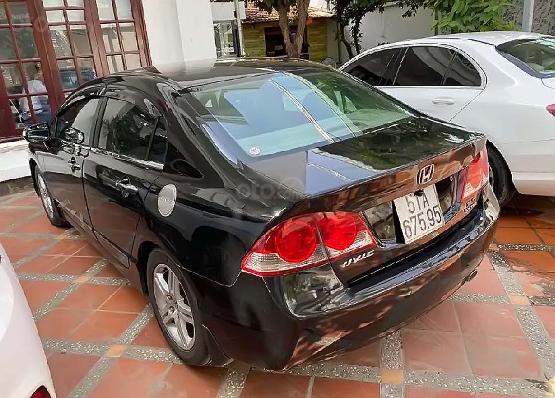 Cần bán gấp Honda Civic 2.0 AT đời 2006, màu đen (2)