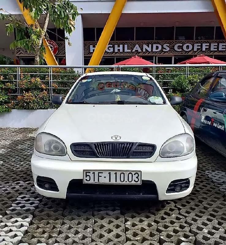 Cần bán gấp Daewoo Lanos SX đời 2002, màu trắng xe gia đình   (2)