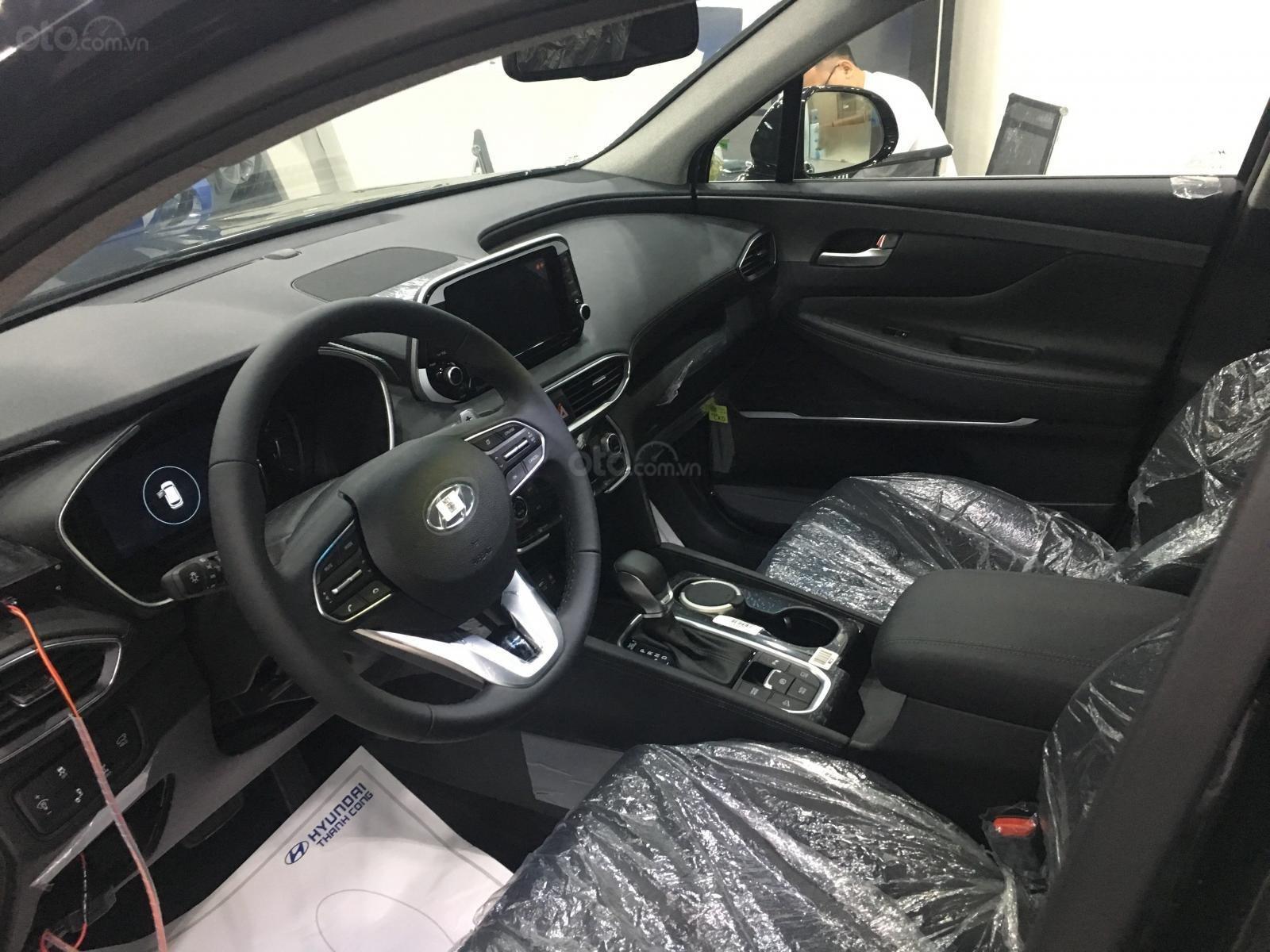 Santafe 2.4 máy xăng 2019, dẫn động H-Trac hoàn toàn mới, sẵn xe giao ngay giá đẹp (5)