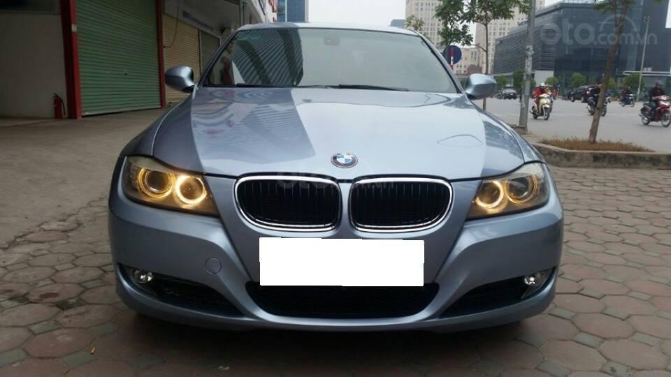 Cần bán xe BMW 320i (1)