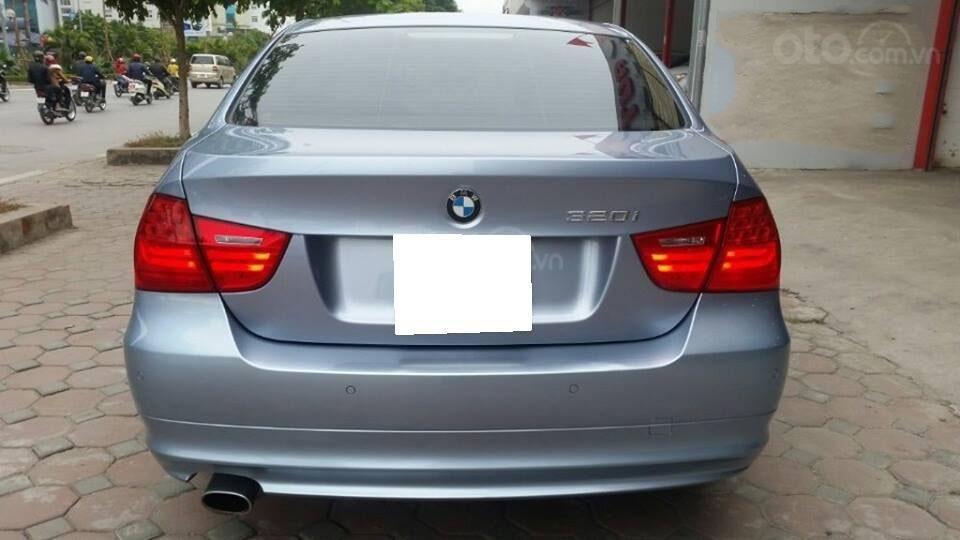 Cần bán xe BMW 320i (2)