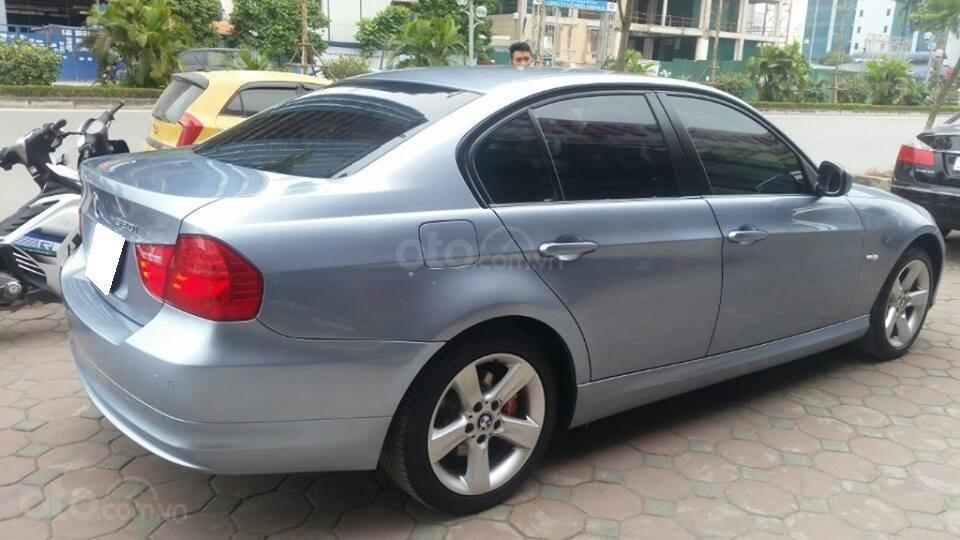 Cần bán xe BMW 320i (3)