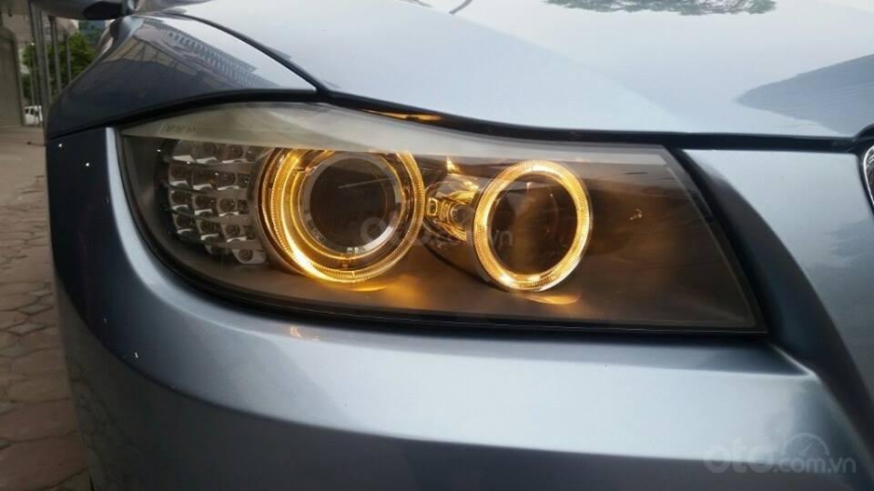 Cần bán xe BMW 320i (4)
