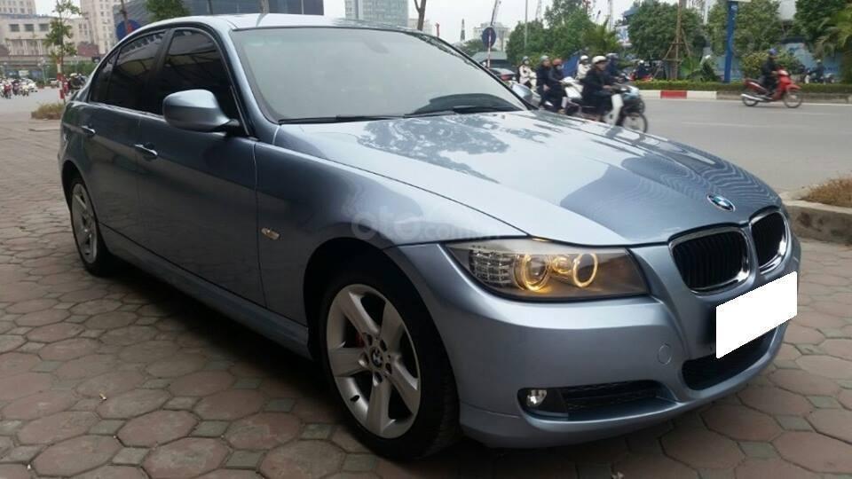 Cần bán xe BMW 320i (7)