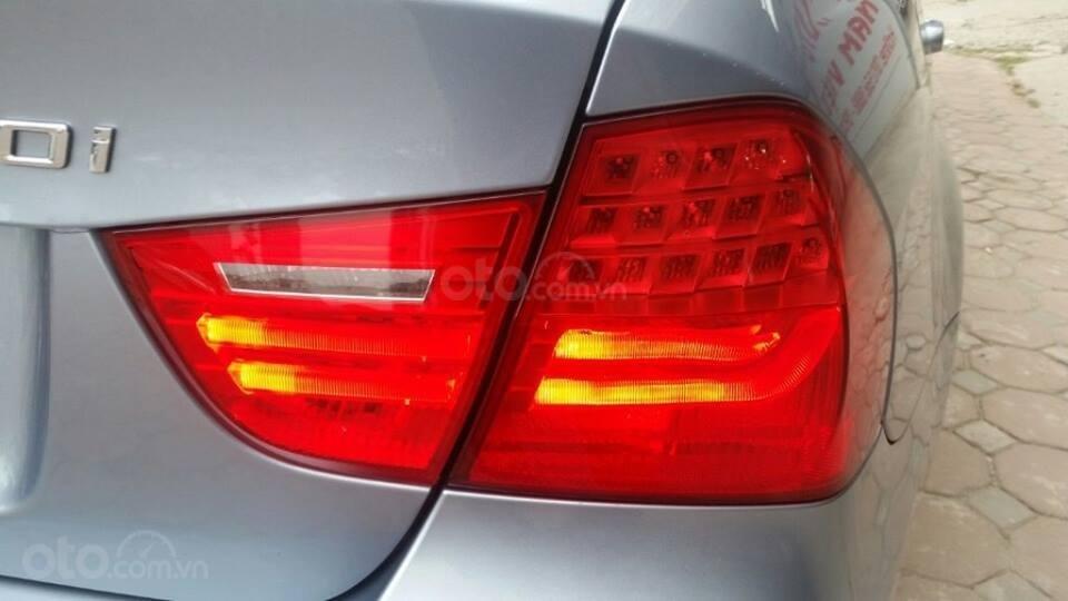 Cần bán xe BMW 320i (9)