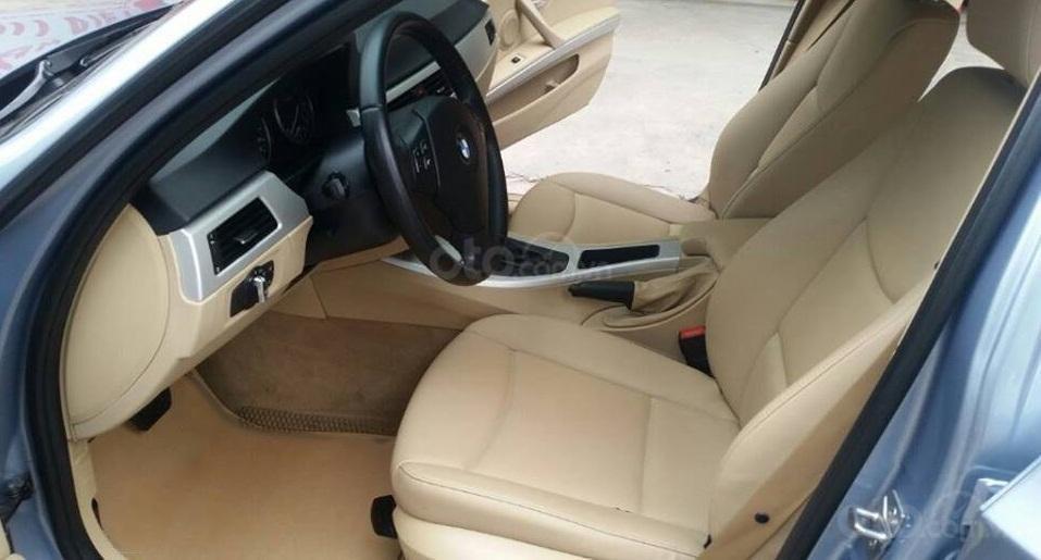 Cần bán xe BMW 320i (10)
