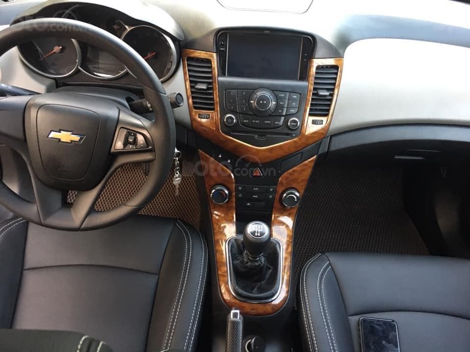 Cần bán xe Cruze, sản xuất 2013, số sàn, màu đen (2)