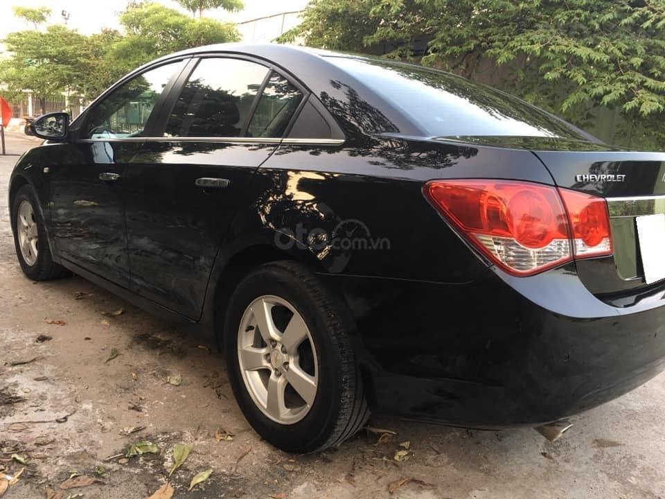 Cần bán xe Cruze, sản xuất 2013, số sàn, màu đen (3)