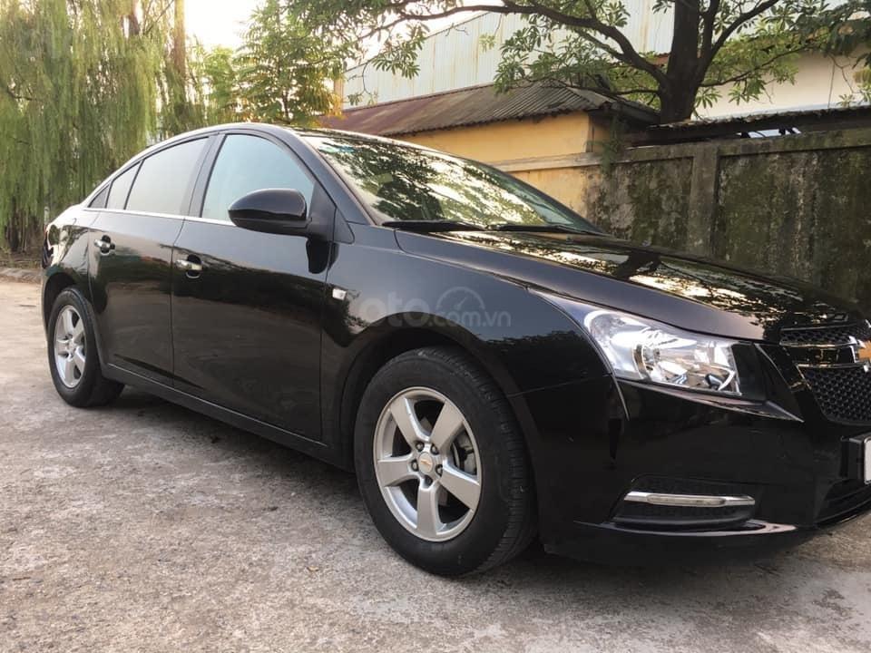 Cần bán xe Cruze, sản xuất 2013, số sàn, màu đen (5)