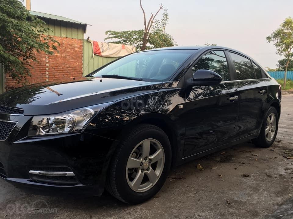 Cần bán xe Cruze, sản xuất 2013, số sàn, màu đen (6)
