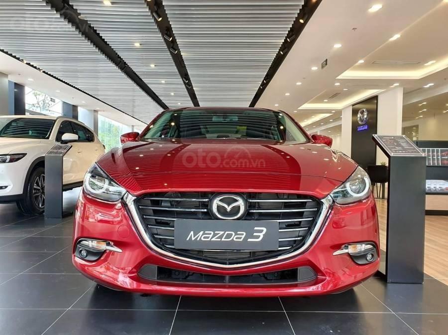 Mazda 3 ưu đãi lớn, hỗ trợ vay 80%, thủ tục nhanh, nhận xe liền, LH: 0909514137 (1)