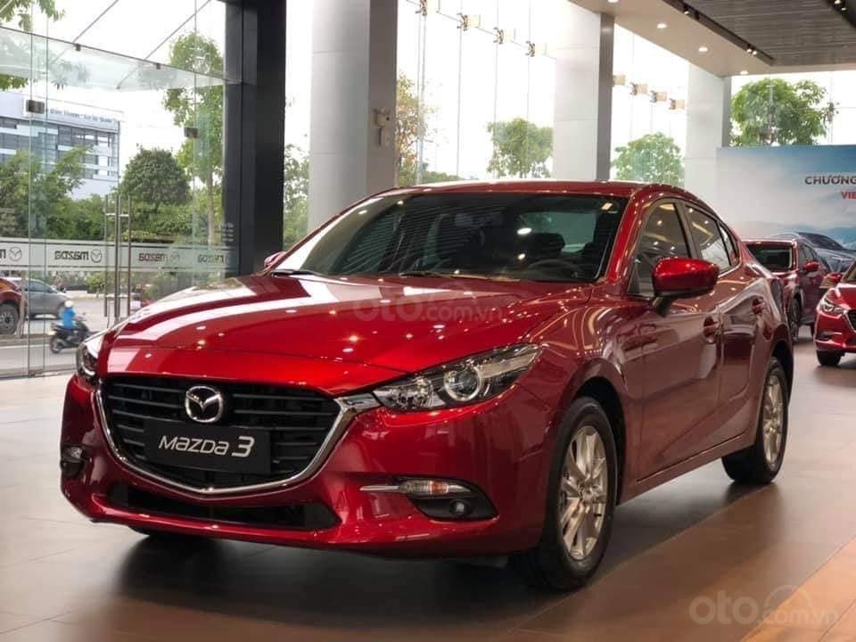 Mazda 3 ưu đãi lớn, hỗ trợ vay 80%, thủ tục nhanh, nhận xe liền, LH: 0909514137 (3)