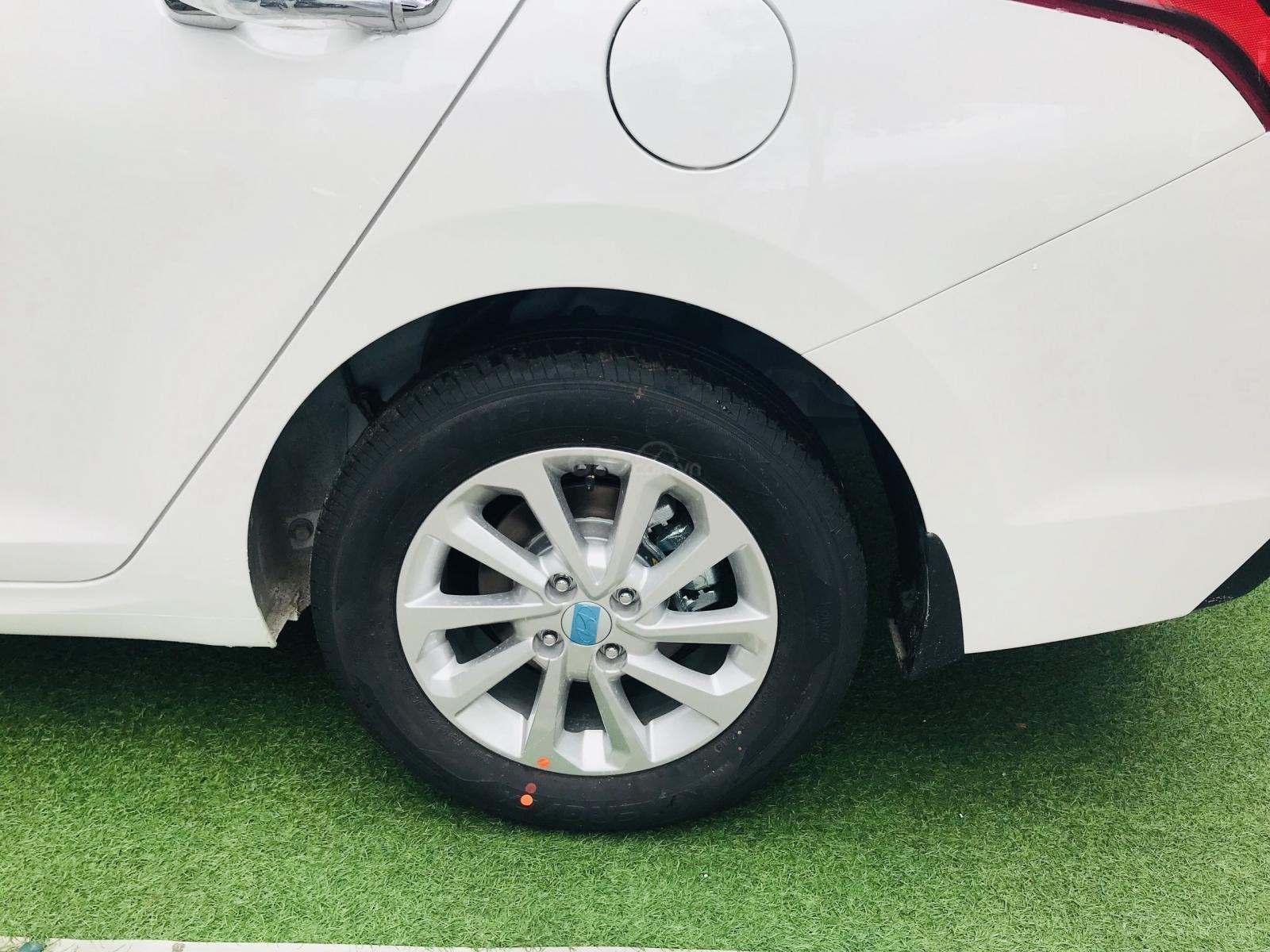 Lợi xăng, Grab số 1, Hyundai Accent 2019, hotline: 0974064605 (8)