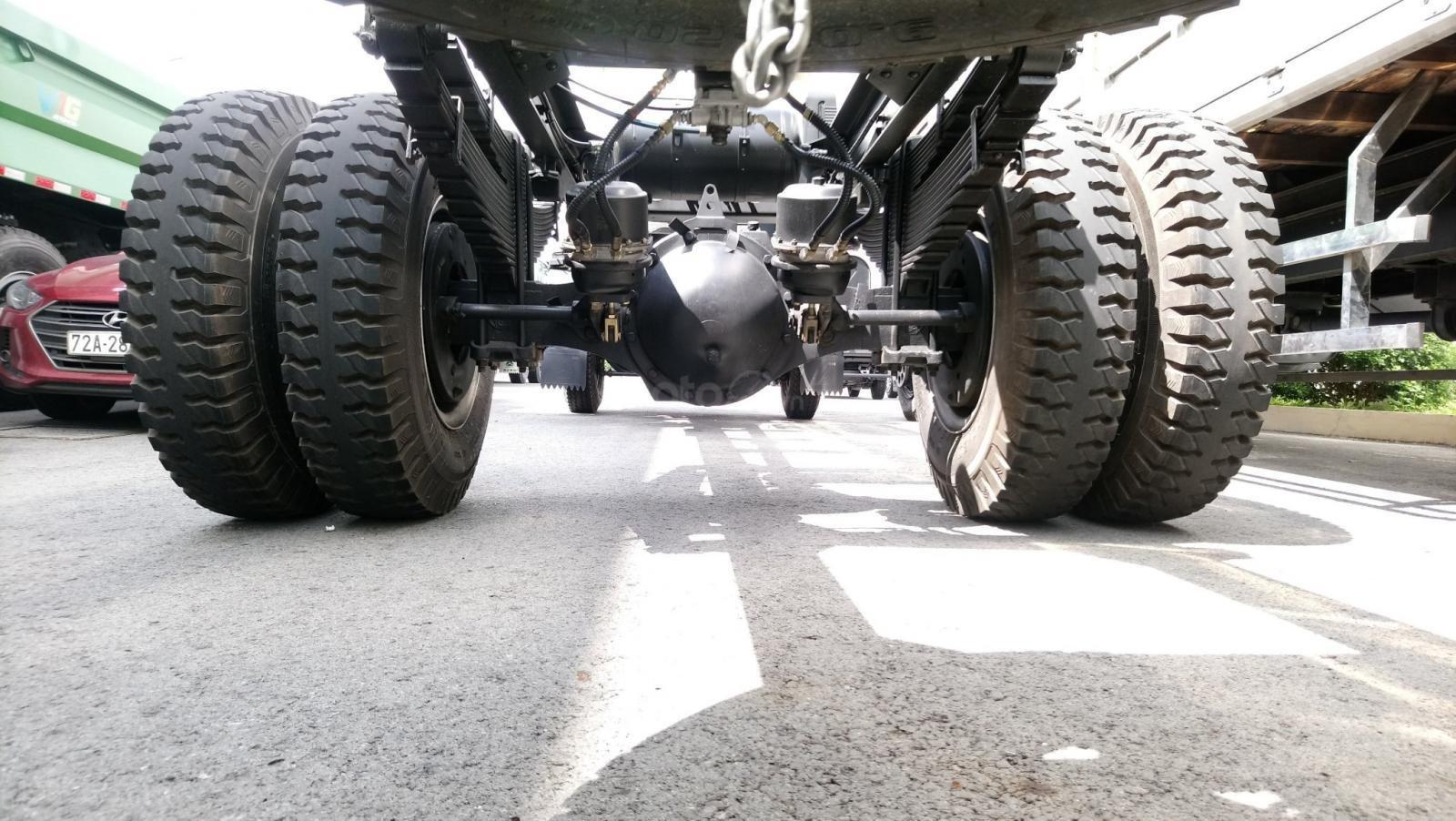 Gía tốt nhất xe tải HOWO 8T5 thùng 6m85 (7)