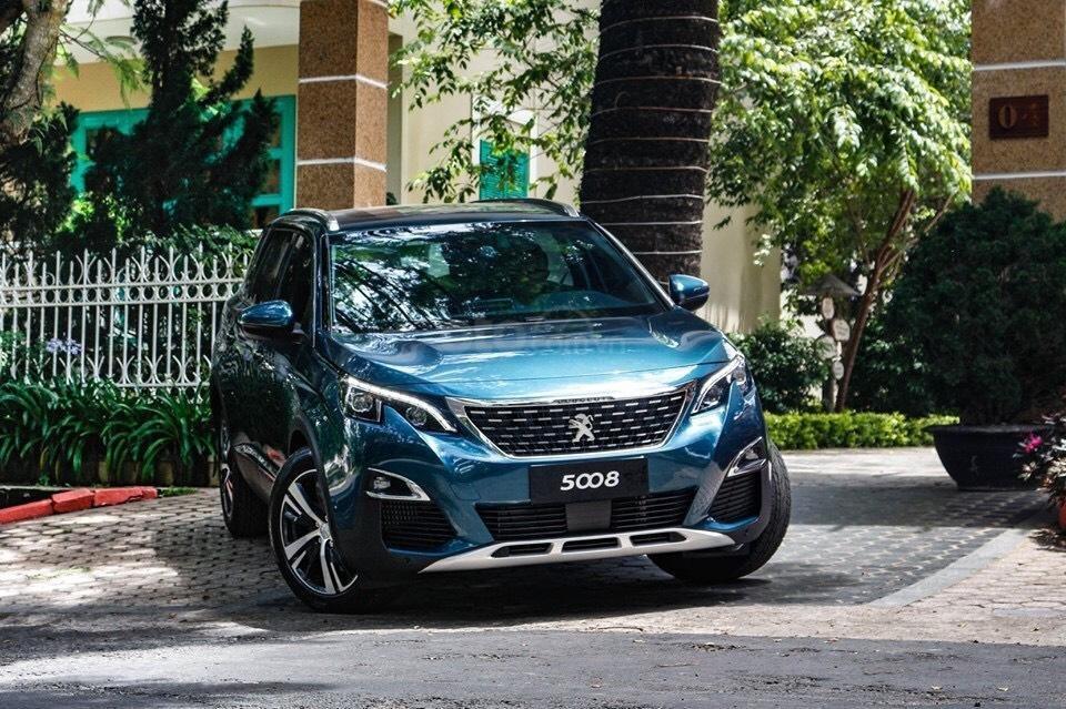 Giá lăn bánh xe Peugeot 5008 2019 sau khi bổ sung màu mới a1