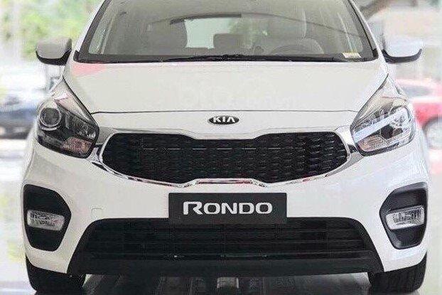 Thiết kế đầu xe Kia Rondo 2019 1