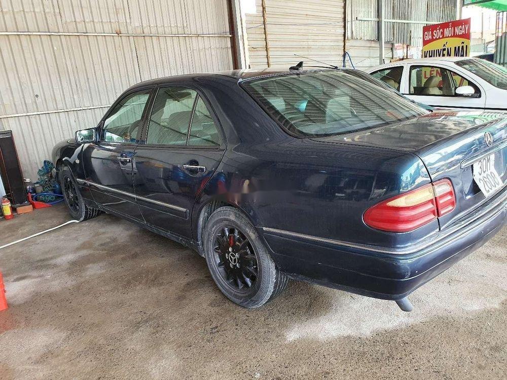 Cần bán gấp Mercedes E 230 1997, nhập khẩu nguyên chiếc (9)