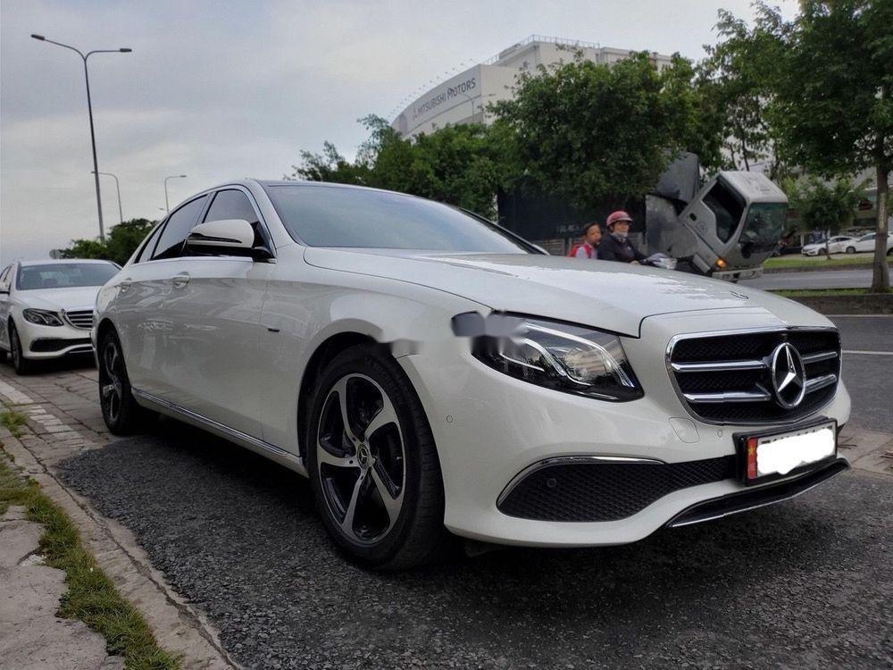 Bán Mercedes E200 Sport 2019, màu trắng (3)