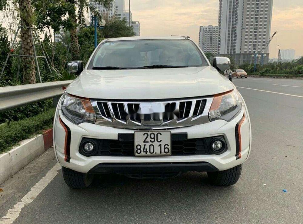 Cần bán gấp Mitsubishi Triton AT sản xuất 2016, màu trắng, xe nhập như mới, giá 470tr (1)