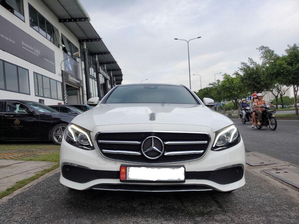Bán Mercedes E200 Sport 2019, màu trắng (2)