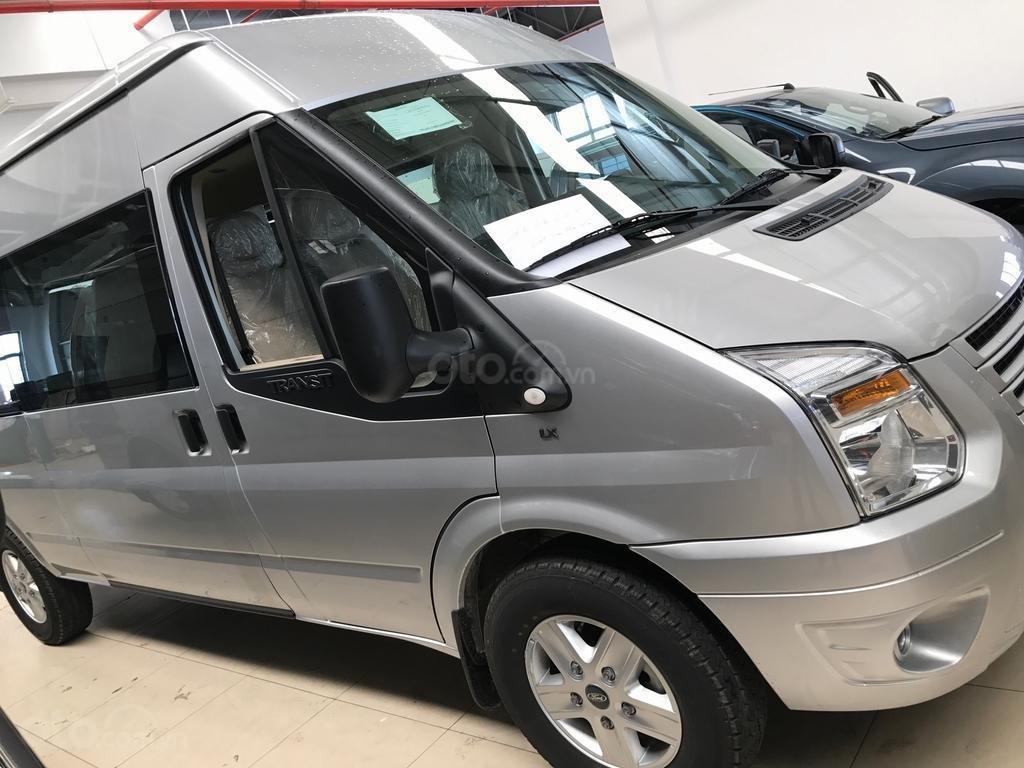 Ford Transit SVP mới 2019 - Ưu đãi cuối năm, khuyến mãi 100tr, trả trước 180tr góp 10/tháng (3)