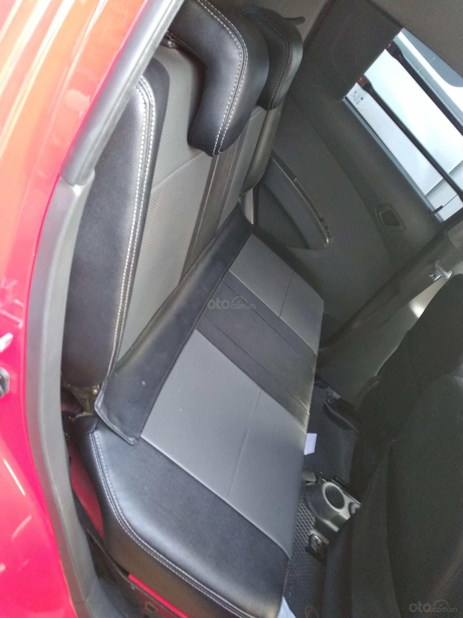 Cần bán xe Chevrolet Spark Van sản xuất 2017, màu đỏ (3)