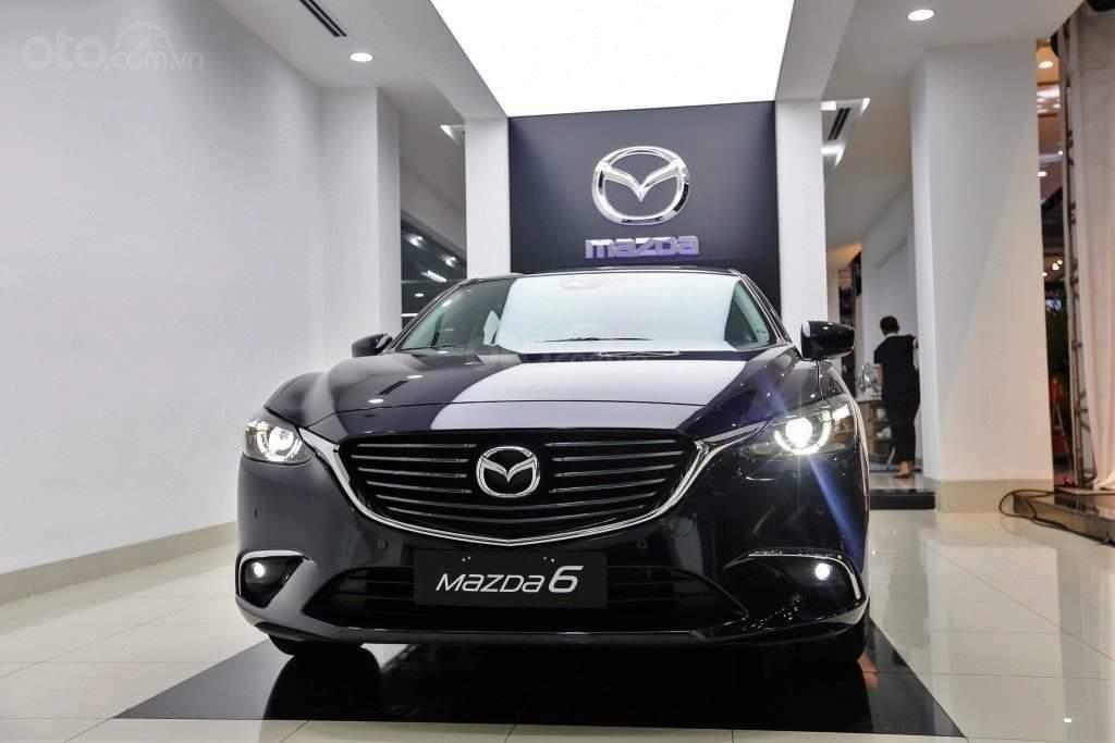 Mazda 6 2019, trả trước 176 triệu, khuyến mãi lên đến 70 triệu, giao xe ngay, đủ màu, đủ phiên bản (1)