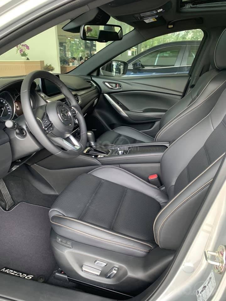 Mazda 6 2019, trả trước 176 triệu, khuyến mãi lên đến 70 triệu, giao xe ngay, đủ màu, đủ phiên bản (5)