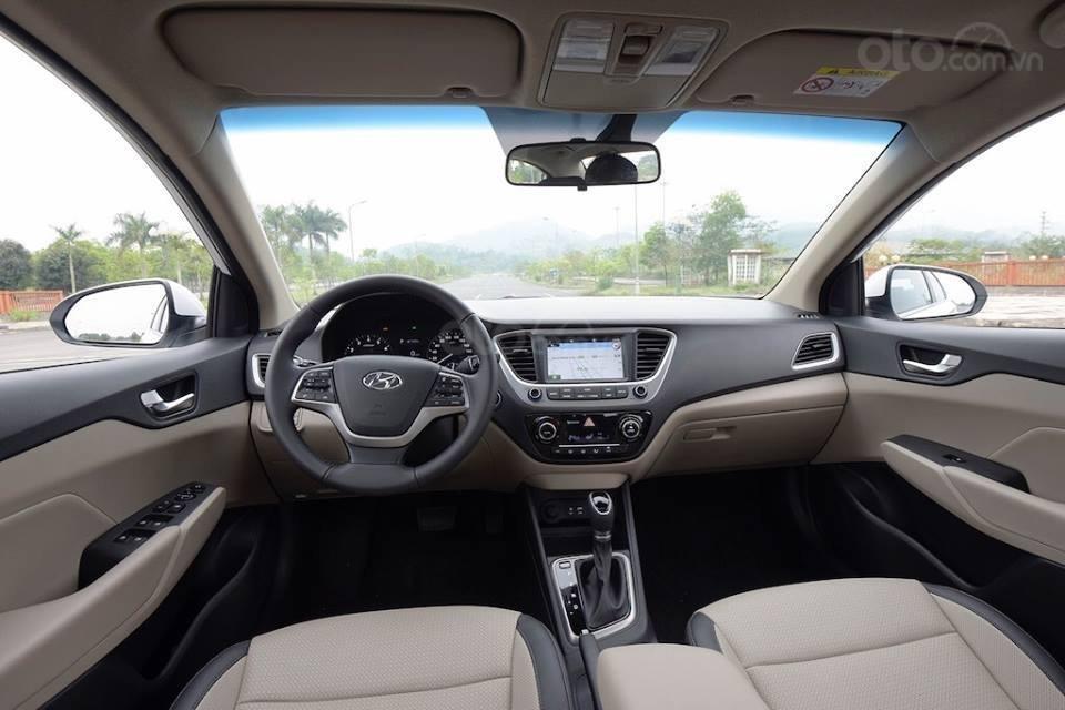 Bán Hyundai Accent 1.4 AT đặc biệt mới 2019, màu đen, xe sẵn đủ màu giao ngay (4)