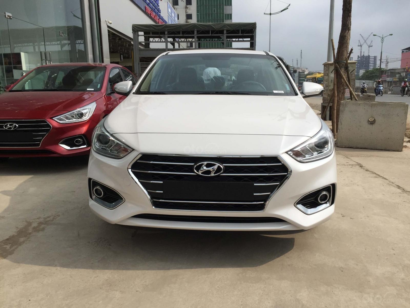 Bán Hyundai Accent 1.4 MT bản đủ mới 2019, đủ màu giao ngay giá tốt (1)