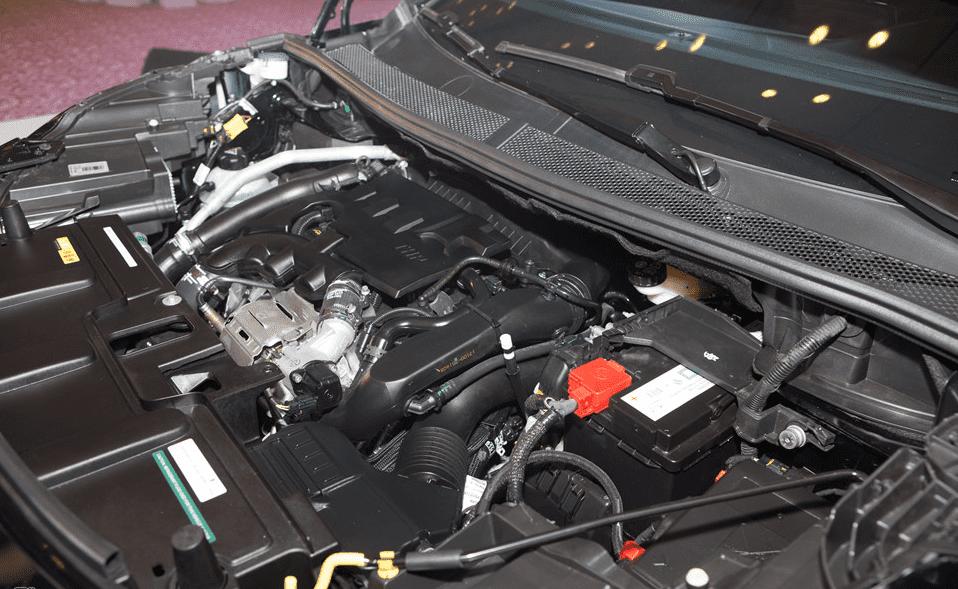 Động cơ vận hành của Peugeot 3008 2018 khá ấn tượng
