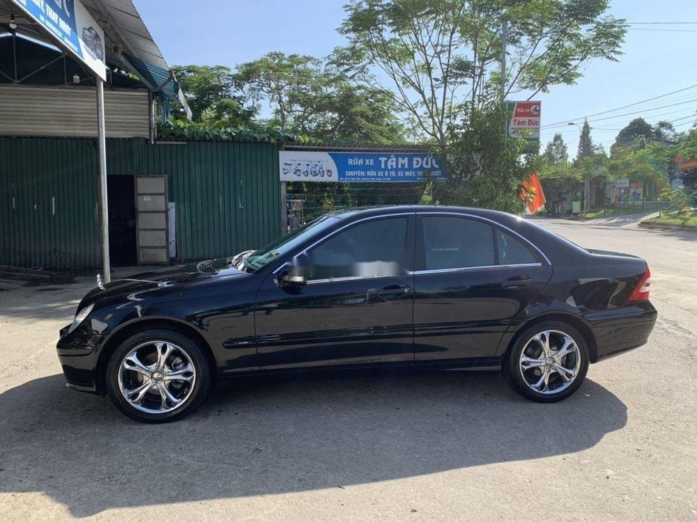 Cần bán xe Mercedes C180 2004, màu đen chính chủ, 320 triệu (1)
