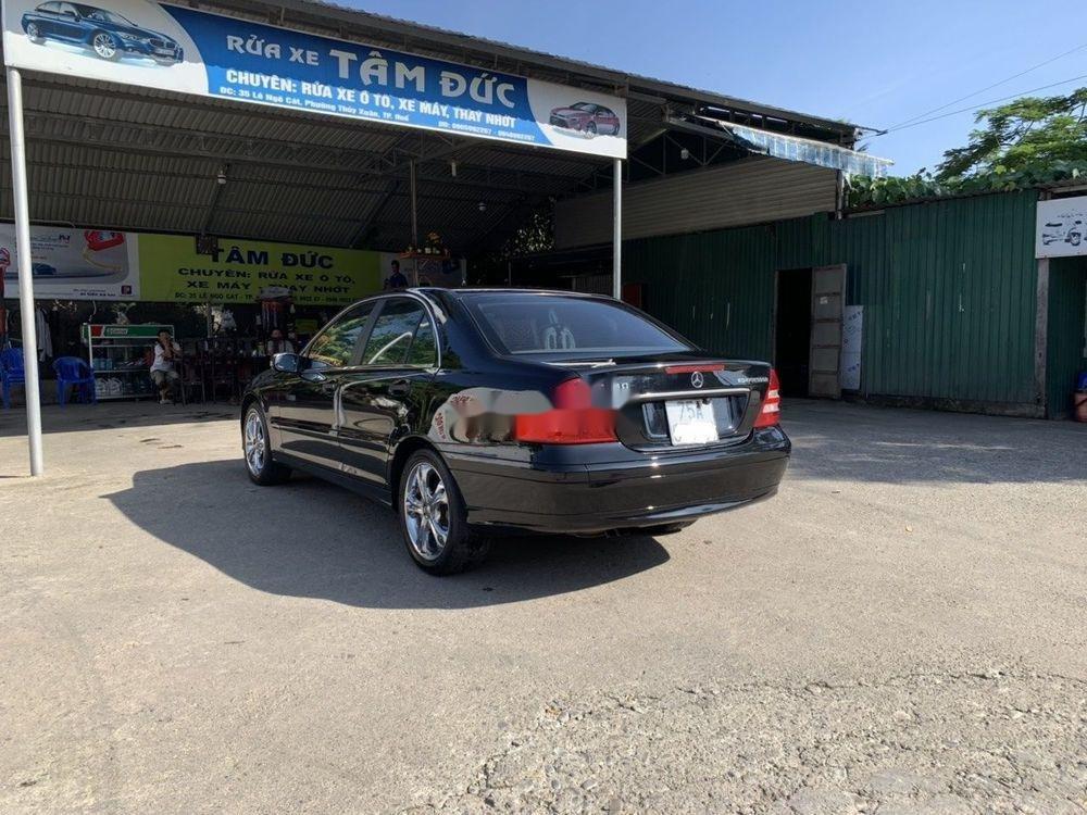 Cần bán xe Mercedes C180 2004, màu đen chính chủ, 320 triệu (2)