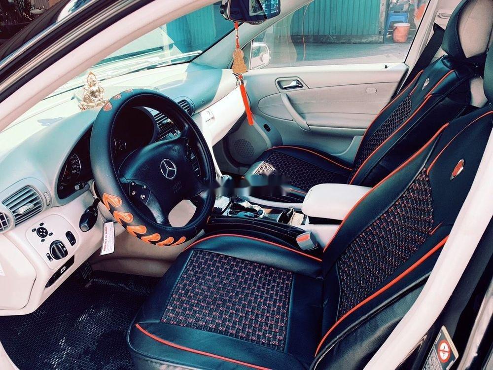 Cần bán xe Mercedes C180 2004, màu đen chính chủ, 320 triệu (3)