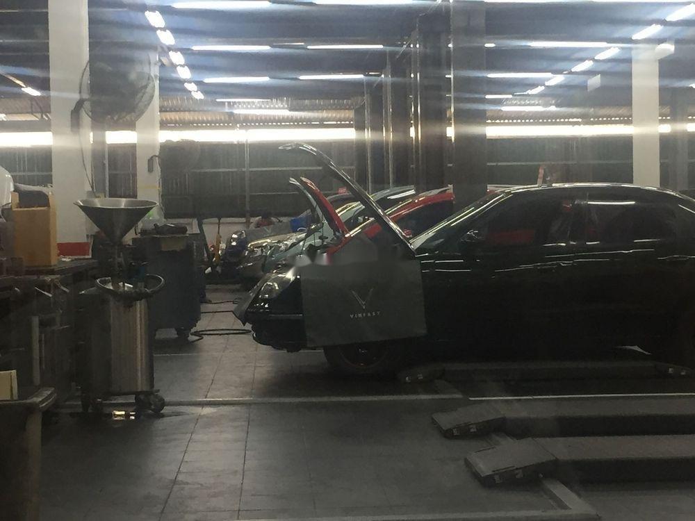 Xe Daewoo Nubira năm sản xuất 2000, màu đen (3)
