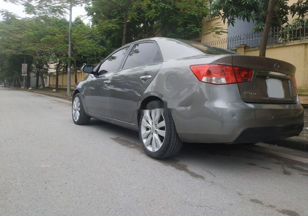 Cần bán lại xe Kia Forte sản xuất 2009, màu bạc, nhập khẩu chính chủ, giá tốt (1)
