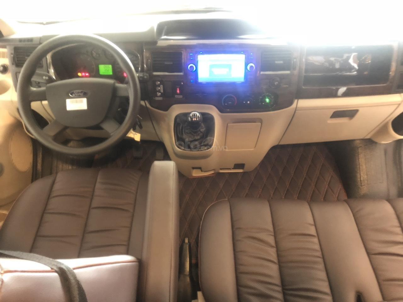 Transit Limousine 10 chỗ 2019 (9)