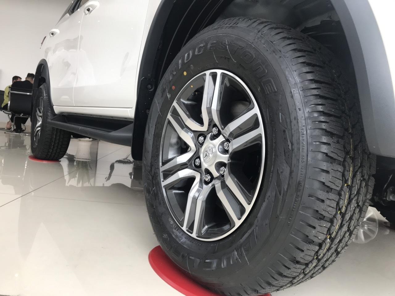 Bán xe Fortuner dầu 2019, cam kết giá cực tốt, giao xe ngay 1 nốt nhạc (4)