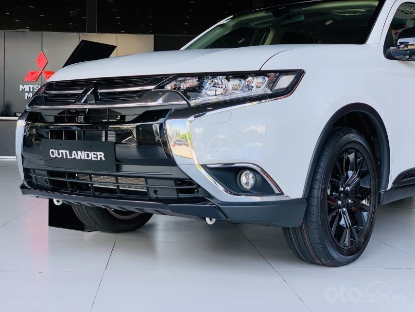 Cần bán xe Mitsubishi Outlander đời 2019, màu xám, xe nhập (1)